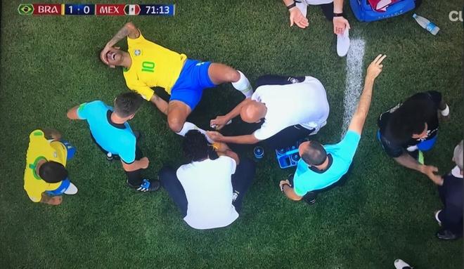 Neymar thanh tro he sau pha an va lo lieu hinh anh 3