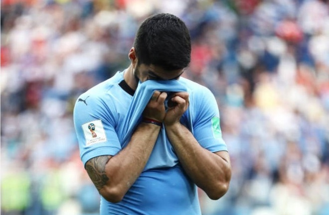 Luis Suarez roi le trong ngay Uruguay chia tay World Cup 2018 anh 3