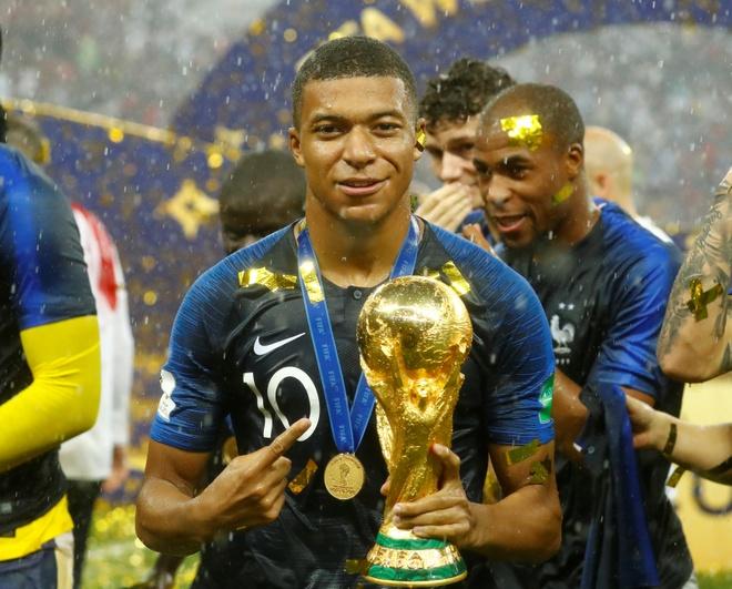 Pele, Ferdinand khong tiec loi ca ngoi Kylian Mbappe hinh anh
