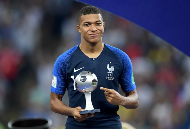 'Kylian Mbappe vuot troi Thierry Henry khi o cung do tuoi' hinh anh 2