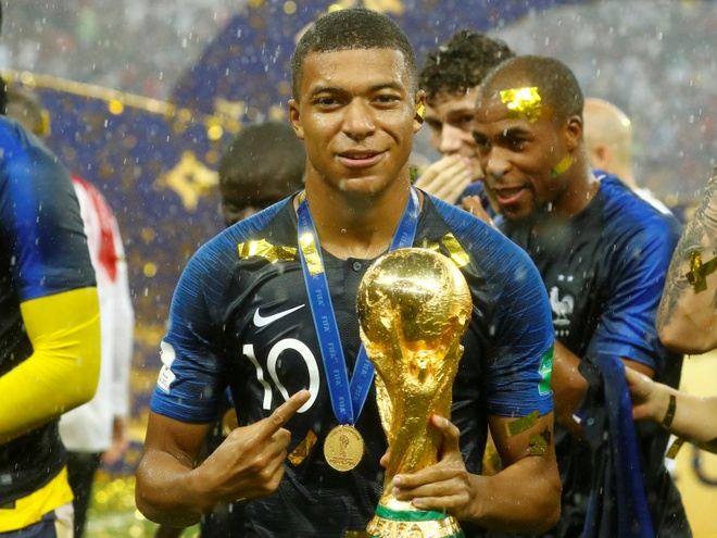 'Kylian Mbappe vuot troi Thierry Henry khi o cung do tuoi' hinh anh