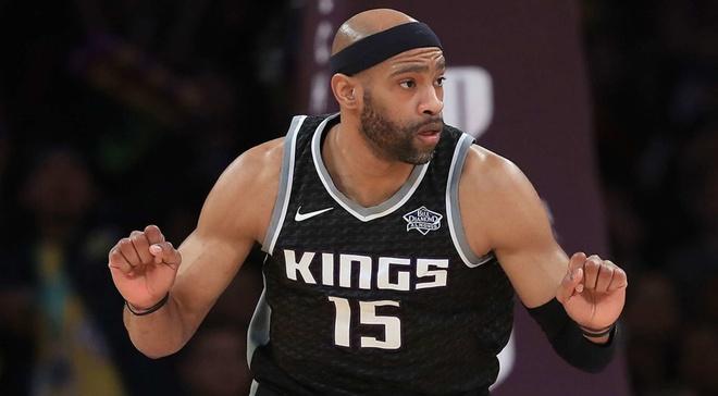 'Vua up ro NBA' Vince Carter tiep tuc chinh chien o tuoi 41 hinh anh 1