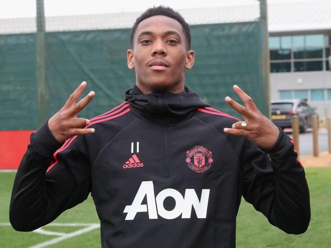Manchester United can tong khu Martial ngay lap tuc hinh anh