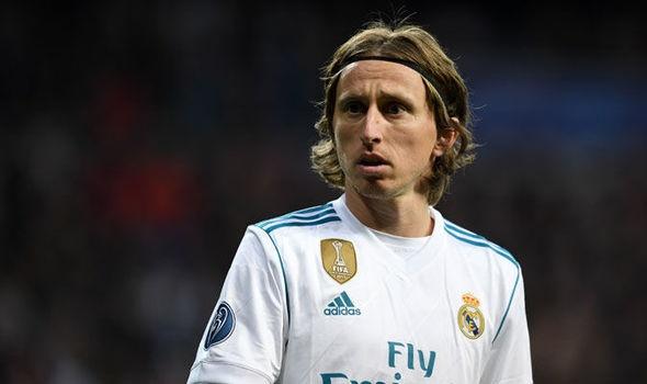 Luka Modric noi got Cristiano Ronaldo sang Serie A? hinh anh