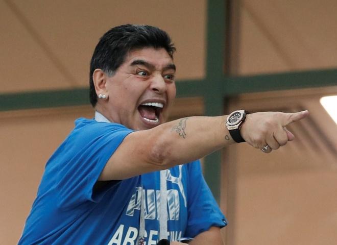 Maradona chi trich truyen thong vi khong duoc lam HLV Argentina hinh anh