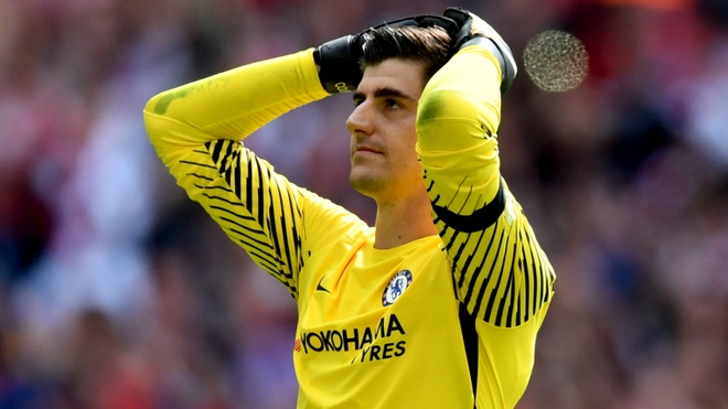 Thibaut Courtois hung tron con thinh no tu CDV Chelsea hinh anh