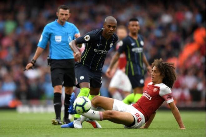 Cham diem Arsenal 0-2 Man City: Oezil, Aubameyang gay that vong hinh anh 6
