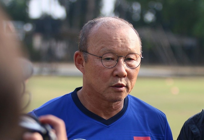 HLV Park Hang-seo: 'Olympic Viet Nam se choi het minh truoc Nhat Ban' hinh anh 1
