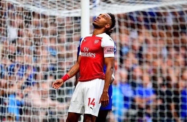 Arsenal thua Chelsea, fan thay nhau che gieu Aubameyang hinh anh