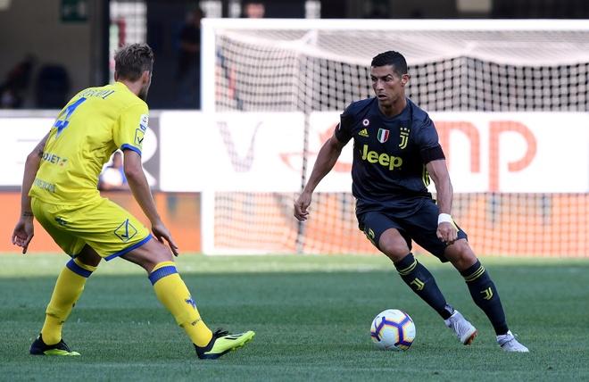 'Cristiano Ronaldo khong the mot minh vo dich Serie A' hinh anh 2