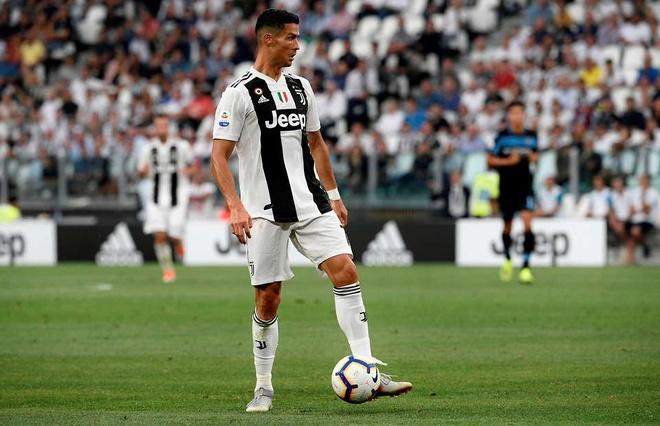 Ronaldo gap lai Manchester United anh 1