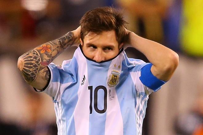 'Lionel Messi tung khoc tham thiet nhu dua tre doi me' hinh anh 1