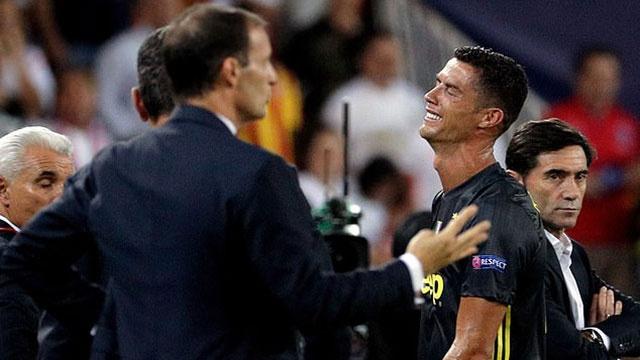 Ronaldo bi duoi khoi san, Juve van co chien thang o Champions League hinh anh