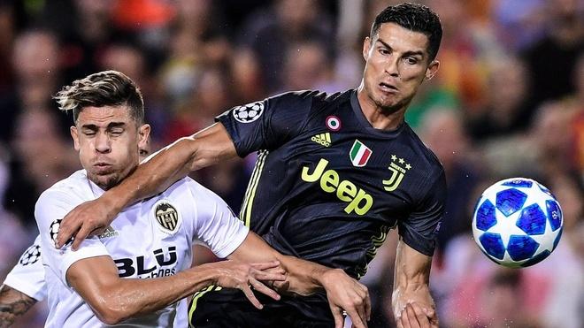 Ronaldo se tro lai o tran gap Manchester United? hinh anh