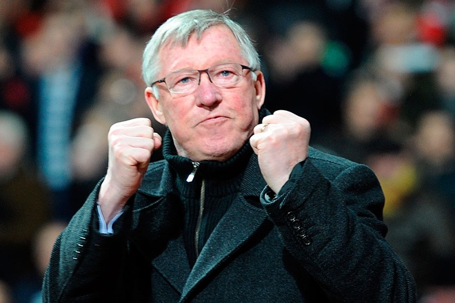 Sir Alex Ferguson tro lai Old Trafford sau con bao benh hinh anh