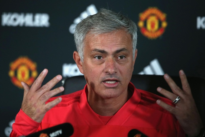 HLV Mourinho: 'MU khong dang gianh chien thang' hinh anh