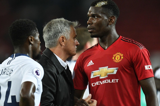 Mourinho giai thich ly do loai Pogba khoi tran Derby County hinh anh