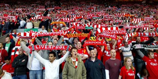CDV Liverpool bi hooligan danh nhap vien o Italy hinh anh 2