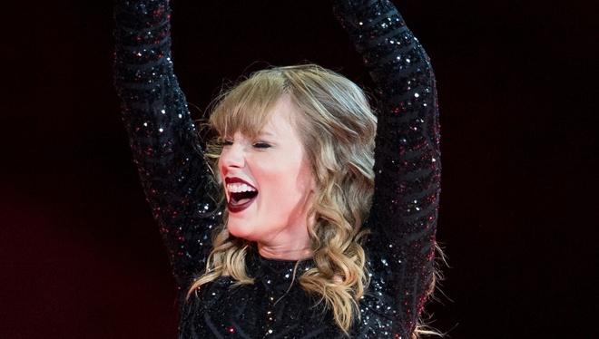 Suc hut, su quyen ru va dang cap ngoi sao cua Taylor Swift hinh anh