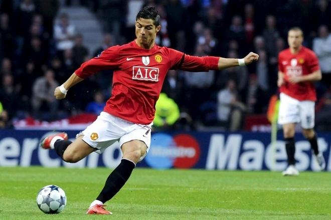 10 khoanh khac dep nhat cua Ronaldo khi khoac ao MU hinh anh 9