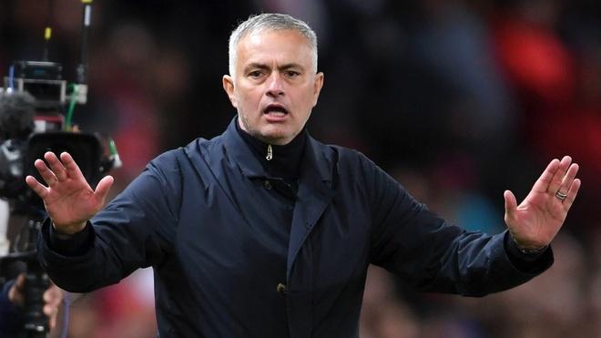 Eric Cantona chi trich Mourinho, muon Giggs lam HLV MU hinh anh