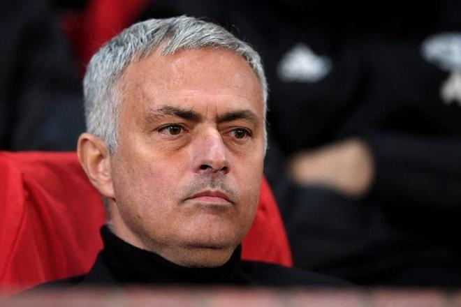 HLV Mourinho: 'MU phong ngu tham hoa truoc Bournemouth' hinh anh