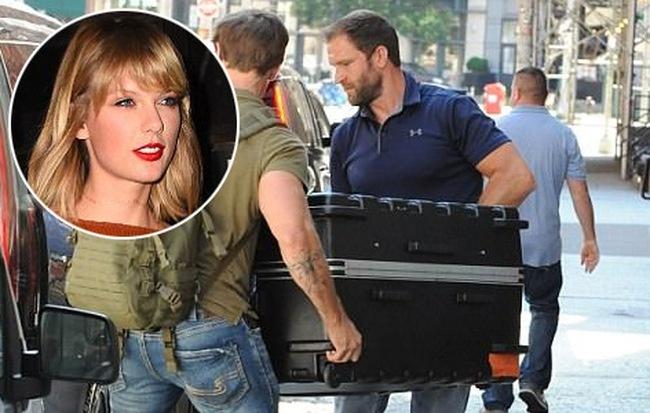 Taylor Swift nhieu lan tron vao vali de lan tranh paparazzi hinh anh