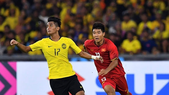 Sao tre Malaysia muon tang cup vo dich AFF Cup cho bo va me hinh anh