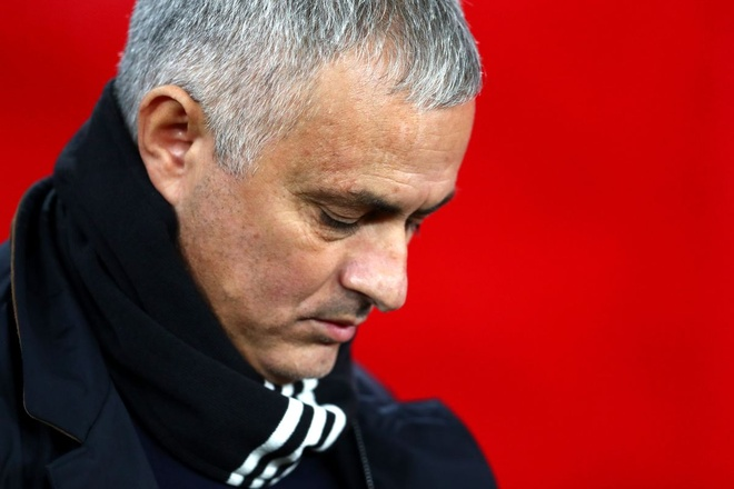 Mourinho: 'MU da la qua khu, toi gio day chi muon mua sam va di dao' hinh anh 1