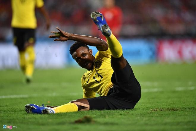 Cau thu Malaysia nhan an phat nang sau chung ket AFF Cup hinh anh 2