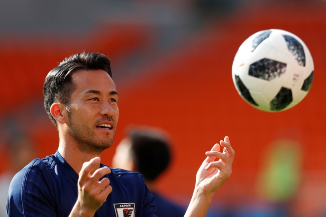 Yoshida tro ve du Asian Cup sau 90 phut tuyet hay truoc Chelsea hinh anh