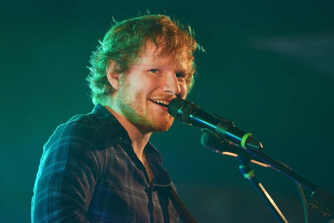 Ed Sheeran chua the cham dut vu lum xum dao nhac tu tien boi hinh anh