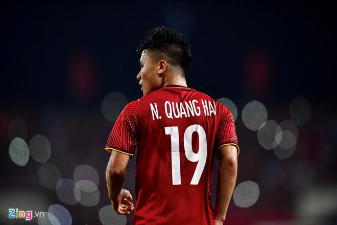 Quang Hai vuot Chanathip o danh sach cau thu hay nhat chau A 2018 hinh anh 1