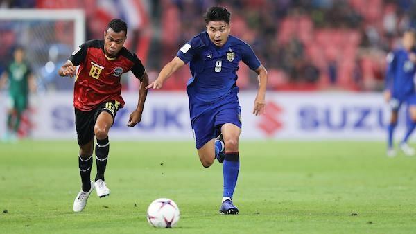 Viet Nam lep ve truoc Thai Lan o doi hinh Dong Nam A tai Asian Cup hinh anh 7