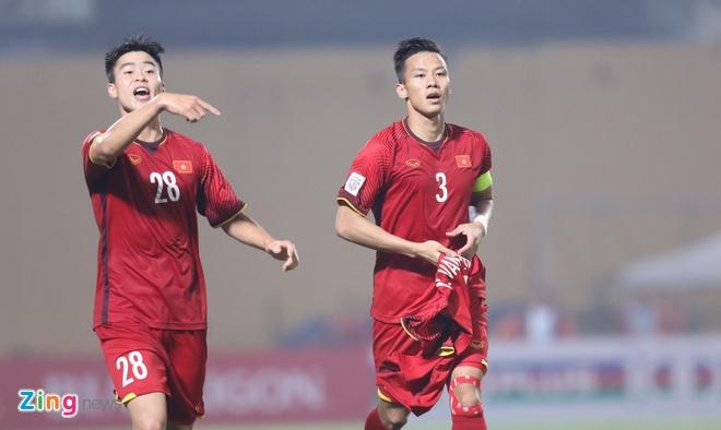 Viet Nam lep ve truoc Thai Lan o doi hinh Dong Nam A tai Asian Cup hinh anh 3