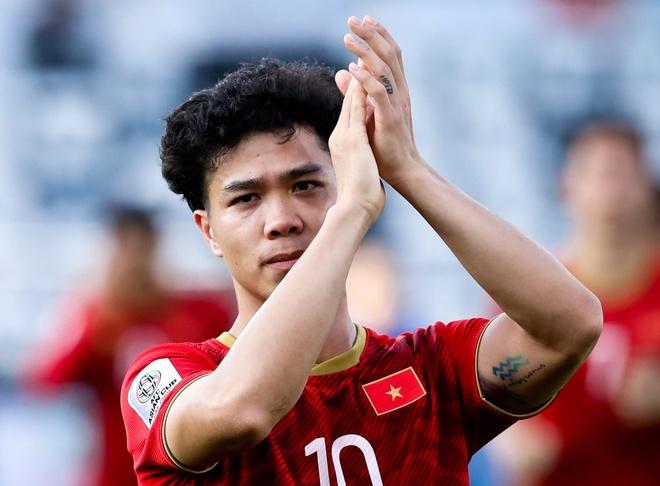 BLV Quang Huy: 'Diem 10 cho man trinh dien cua Cong Phuong' hinh anh