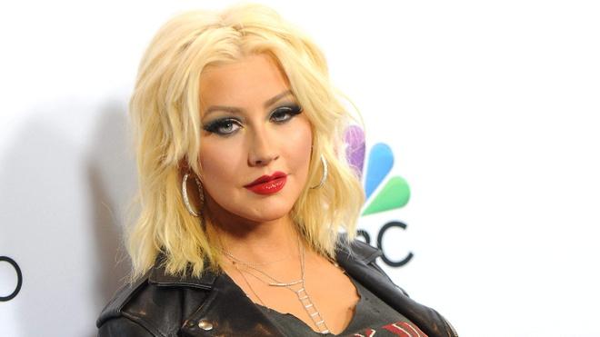 Britney Spears xuong sac, Celine Dion gay tro xuong sau 20 nam hinh anh 12