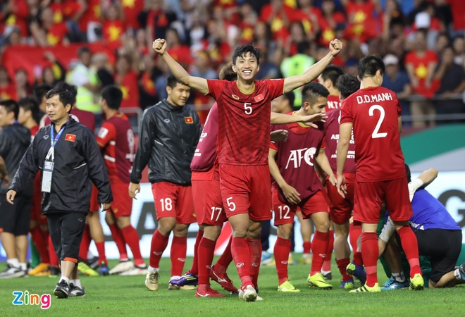 Quang Hai, Doan Van Hau lot top 5 cau thu tre hay nhat Asian Cup hinh anh 1