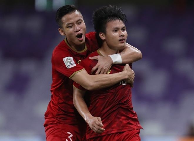 Quang Hai, Doan Van Hau lot top 5 cau thu tre hay nhat Asian Cup hinh anh 5