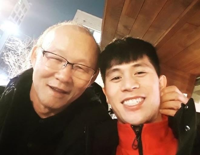 Dinh Trong tai ngo HLV Park Hang-seo o Han Quoc hinh anh