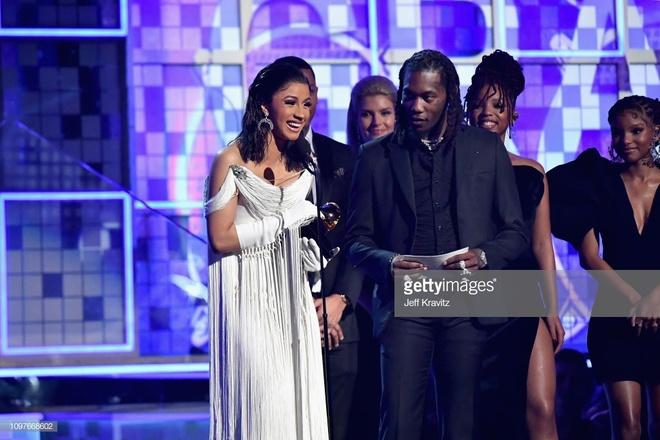Cardi B lan dau doat Grammy dau tien anh 2