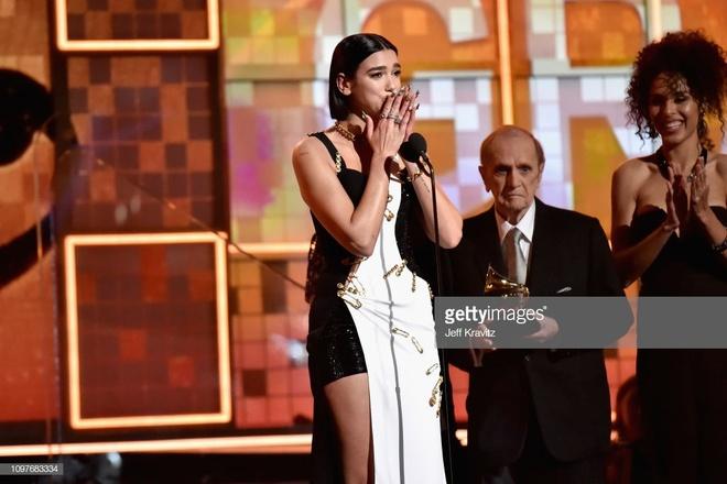 Cardi B lan dau doat Grammy dau tien anh 3