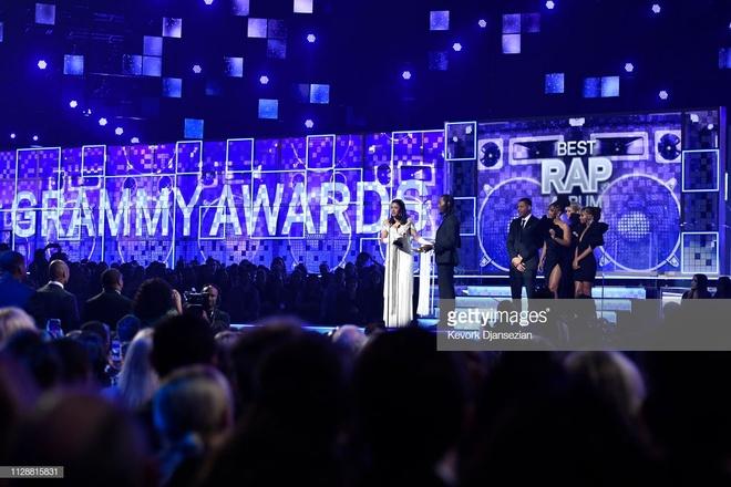 Cardi B lan dau doat Grammy dau tien anh 1