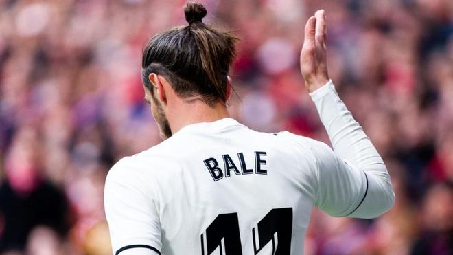 Gareth Bale co the bi cam thi dau 12 tran sau derby Madrid hinh anh