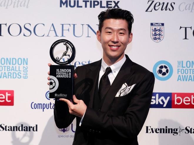 Son Heung-min suyt chia tay Tottenham o he 2016 hinh anh 2