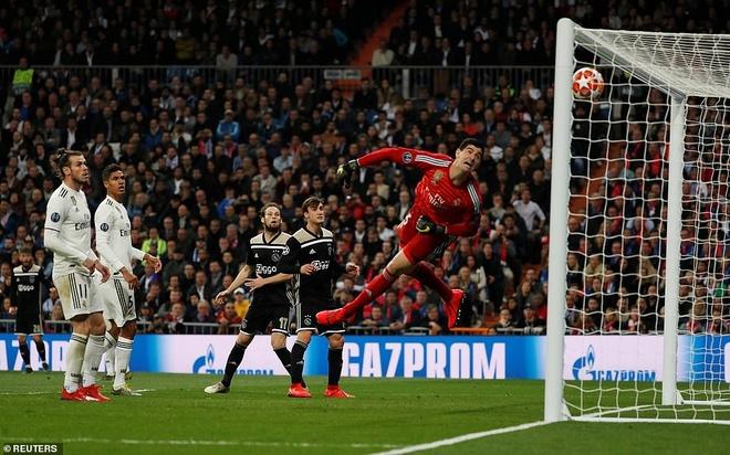 Cham diem Real Madrid 1-4 Ajax: That vong trai deu cac tuyen Real hinh anh 1