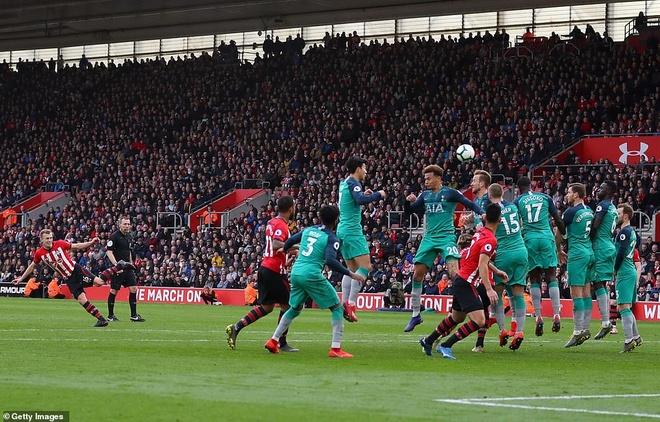Thua nguoc Southampton,  Tottenham co nguy co bi MU vuot mat anh 2