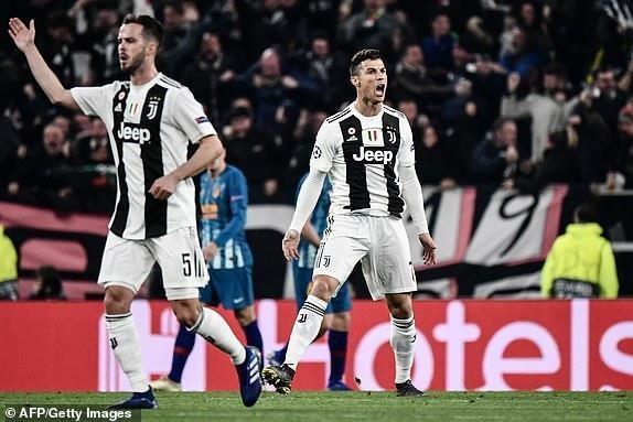 Ronaldo lap hat-trick, CDV Juve doi xem phan ung chu tich Real hinh anh 1