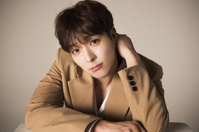 Jae Joong lo co hoi 10 nam co mot vi be boi cua Seungri va nhom ban hinh anh 2