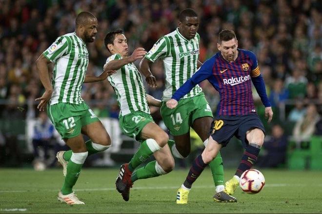 Messi khong co doi thu o cuoc dua 'Chiec giay vang chau Au' hinh anh 2